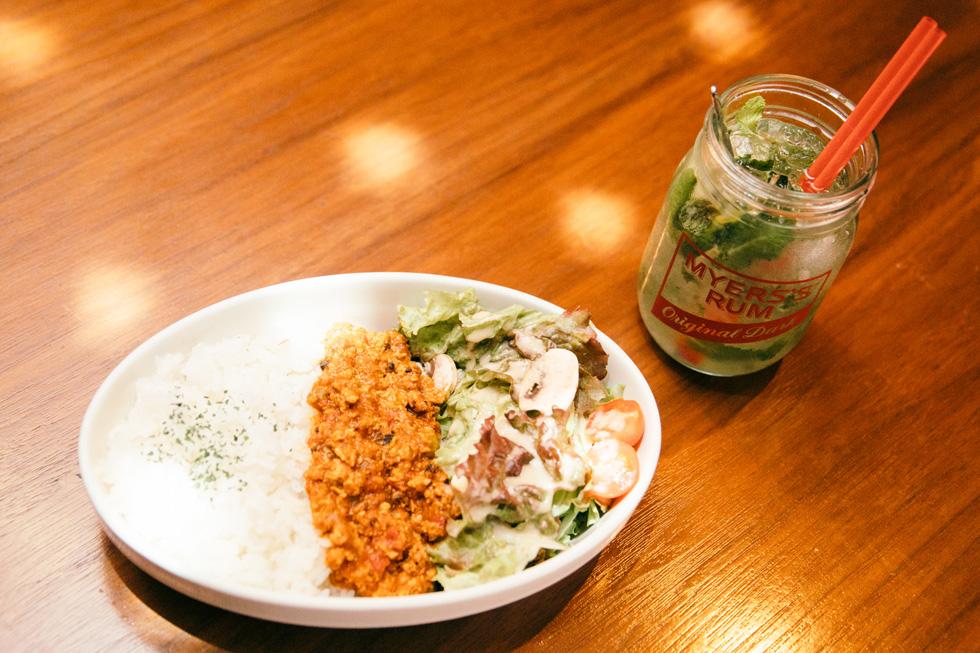 宇田川カフェ別館のキーマカレーともヒート