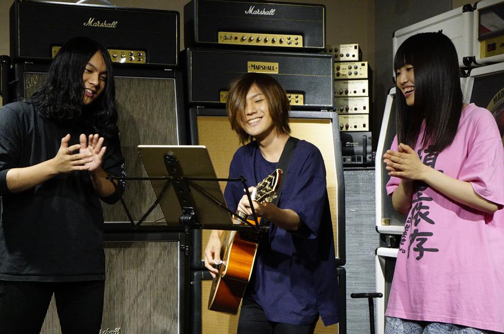 ヤバTの音楽ルーツは、サザン、ユーミン、エンヤ…両親の好んだ音楽にあり!?(1)