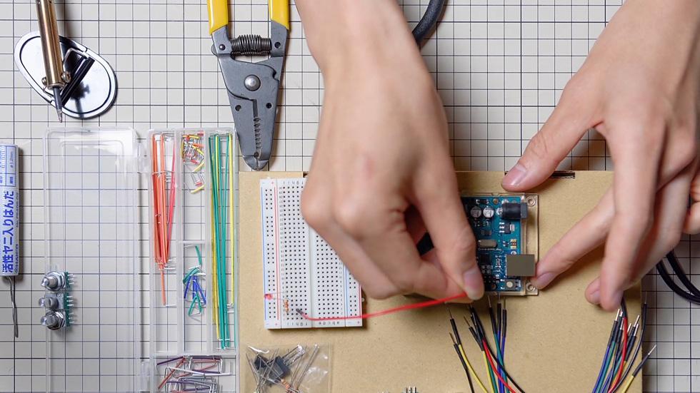 「Arduinoをはじめようキット」に含まれているパーツのみを使う(10)