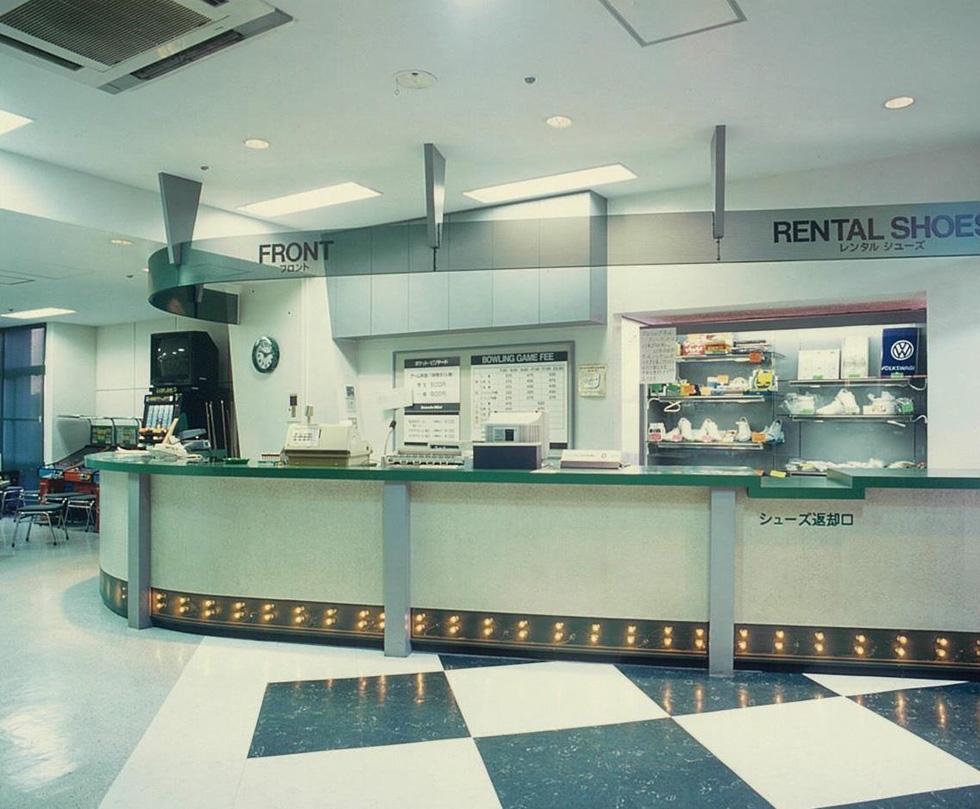 コンセプトは、「レストランの中にあるボウリング場」。「ブームではなくカルチャーを作る」ことが目的!(3)