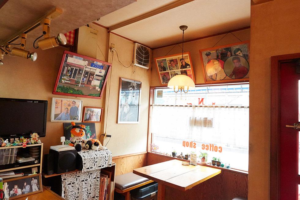 全国のエルヴィス・ファンが集う 古き良きコーヒーショップ(15)