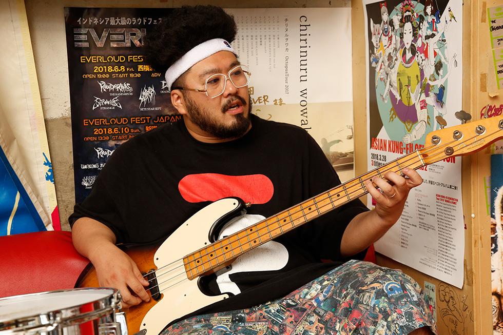 友達の家にアンプもドラムセットもあったから そこで練習するって感じでした(1)