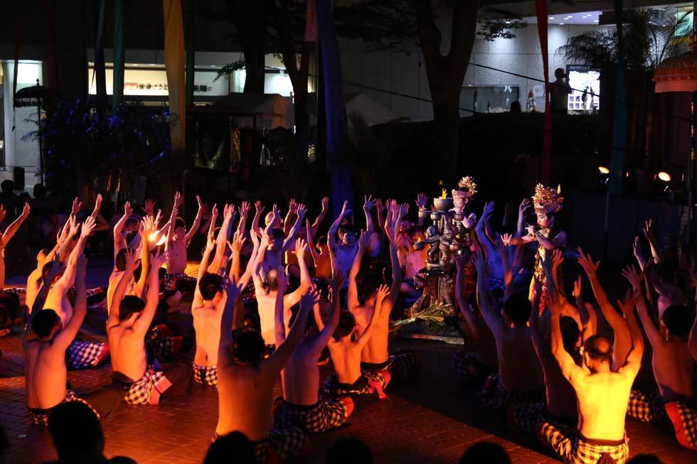 共同体を再構築するためのレッスンとしての祭り(3)