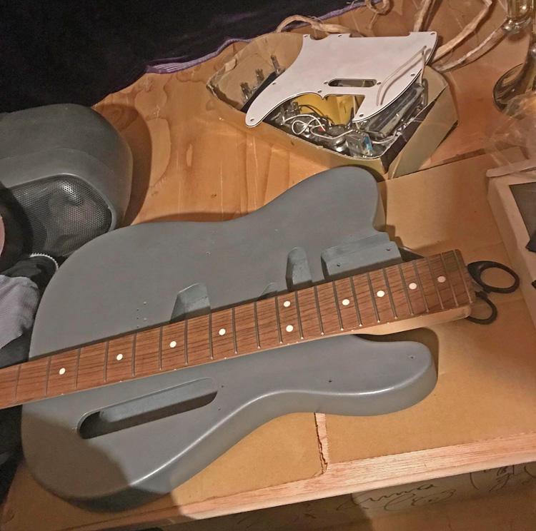 ようこそ「改造してギターを良くする研Q所」略して「改ギ研Q」へ! (1)