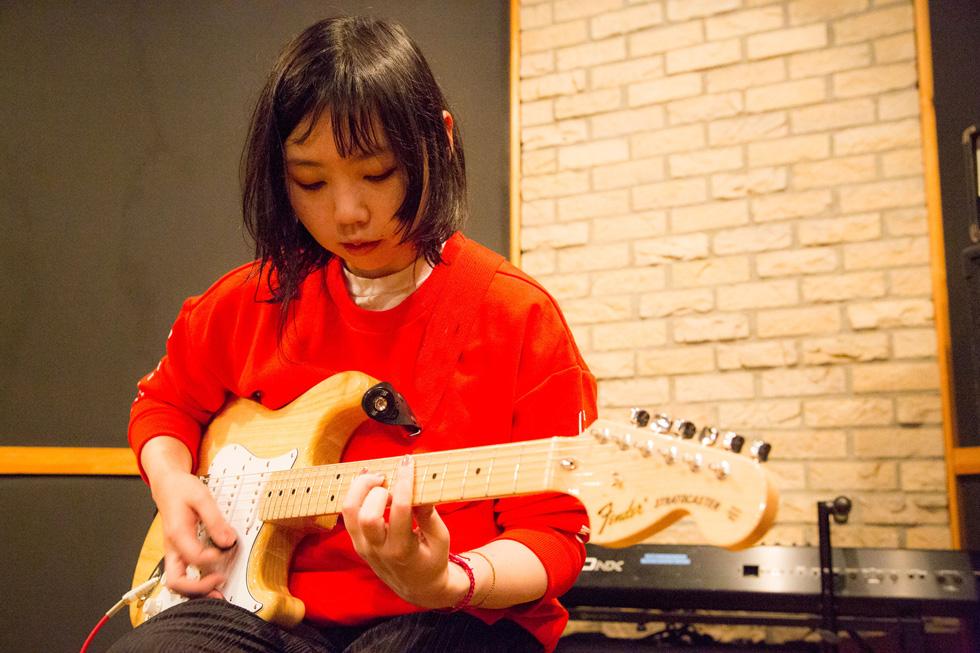 テクノとインディ・ロック。ジャンル違いの二人が好むギターサウンドは?(1)